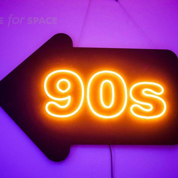neon 90s strzałka w lewo